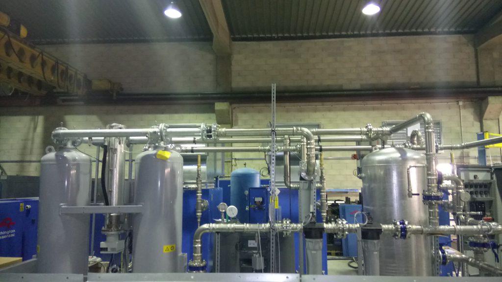 Centrale air comprimé avec tuyauterie industrielle inox serti airnet